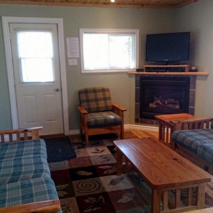 Hi-View Cottage living room